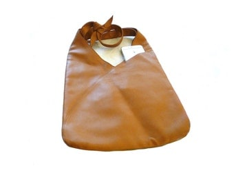 Robert CLERGERIE hobo leather bag. Tote bag.Cross-body bag .Camel leather bag