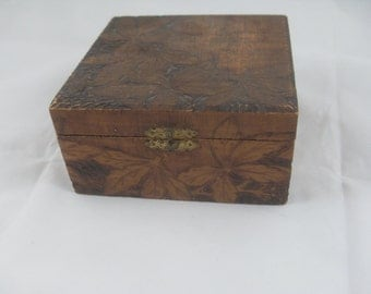 Vintage Pyrographic Box with Flowers