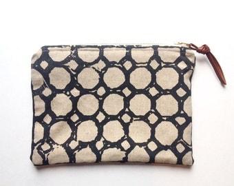 CIRCLES POUCH >> circle pattern | charcoal | brass zipper | purse organizer | cosmetics bag | pencil case | screen print