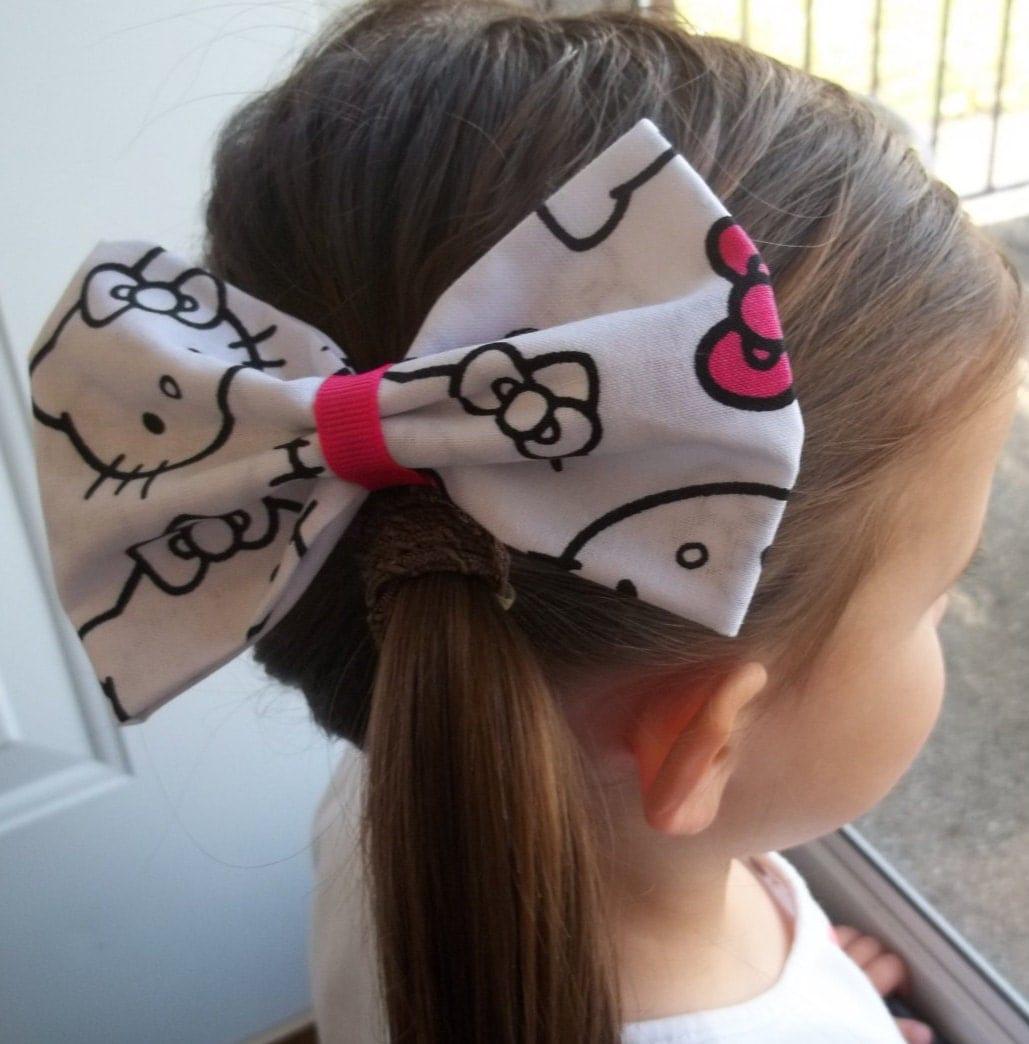 Hello Kitty Bow Black And White