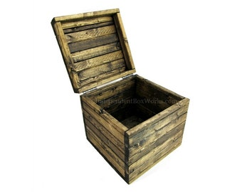 Made to Order: 11 Inch Storage Cube with Lid - Rustic Wooden Crate - Small Memento Box - Country Wedding Card Box - Farmhouse Storage Cube