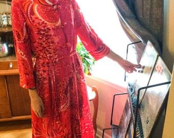 Vintage 1970's Red Pink Orange Groovy Psychedelic Print Vassarette Dress Full Length Robe With Pockets