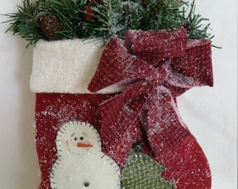 mitten,snowman,greenery red felt red bow