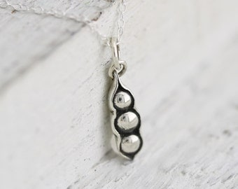 Three Peas in a Pod Necklace - Sterling Silver Three Peas in a Pod Charm - Pea Pod Necklace  Triplets Jewelry  Best Friends Necklace  3 Peas