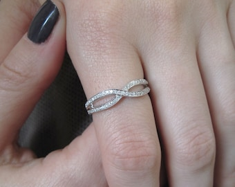 Diamond Infinity Ring, Diamond Infinity Knot Ring, Diamond Wedding Band, Diamond anniversary ring, 18k White Gold Infinity knot Promise Ring