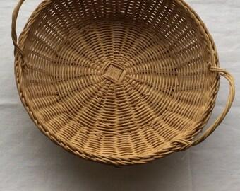 Vintage Hand-Woven Round Wicker Basket w/Matching Handles