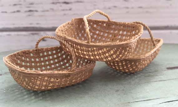 Miniature Rectangle Basket, Dollhouse Miniature, 1:12 Scale, Dollhouse Accessory,  Home and Garden Decor, Topper, Crafts