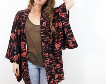Kimono Vintage 70s SILK Japanese Garden Black  Asian Robe // TatiTati Style  on Etsy