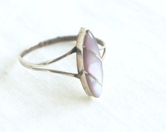 Pink Mother of Pearl Ring Size 7 .25 Vintage Striped Sterling Silver Mexican Minimalist Marquise Shape Jewelry