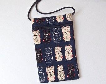 Pouch Zip Bag NAVY BLUE Japanese CAT Fabric. Cell Phone Pouch. Maneki Neko, lucky cats. Walkers, markets, travel bag. small cat purse.