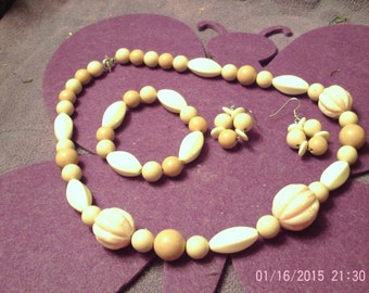 SHADES of PINK and CREAM Jewelry Set