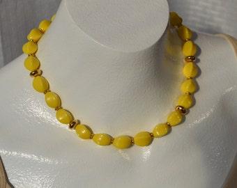 Vintage Choker Necklace NAPIER Bright Yellow Chunky Fancy Wavy Beads Gold Tone Metal Art Deco Retro Statement Wedding Women Jewelry Gift
