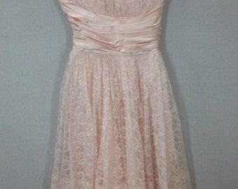 Vintage Beautiful 50s/60s Pink Satin and Lace Party Dress with Metal zipper