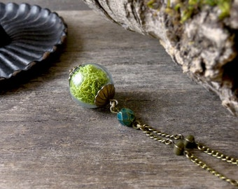Lime green moss necklace, Lime moss pendant, Terrarium necklace, Woodland jewelry, Botanical jewelry, Nature jewelry, Glass vial necklace