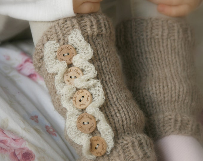 KNITTING  PATTERN leg warmers with ruffles Rahel (newborn to child sizes)