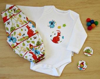 Aussie animals clothing. Kangaroo and Koala baby 2 piece. Unisex bodysuit and harem pants. Gender neutral baby set. Australian animals set.