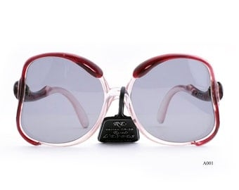Sunglasses of 70 Stock new of time