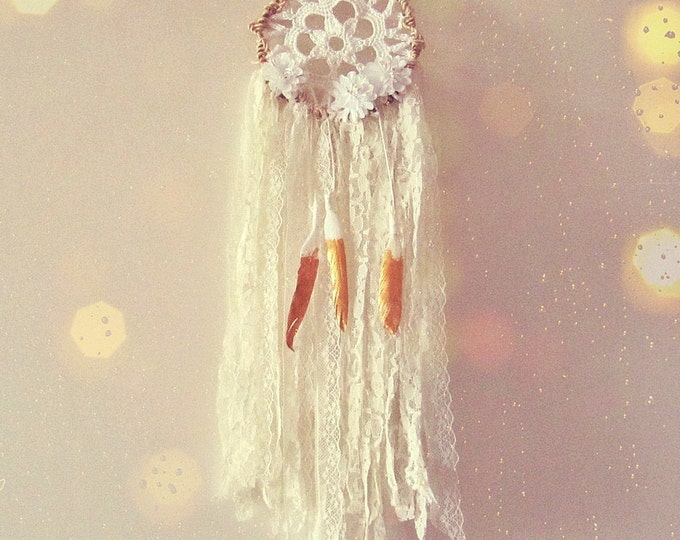 Bridal Shower Boho Decor - Floral Dreamcatcher - White and Gold - Wedding Lace Decoration - Wall Decor - Boho Wedding - Small Dream Catcher