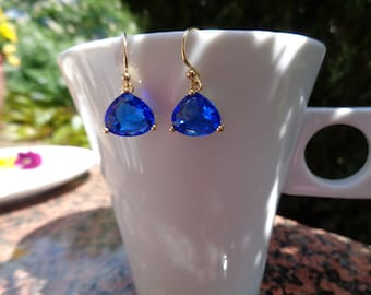 Gold earring with Crystal glass in deep blue, 585 gold filled, beautiful!