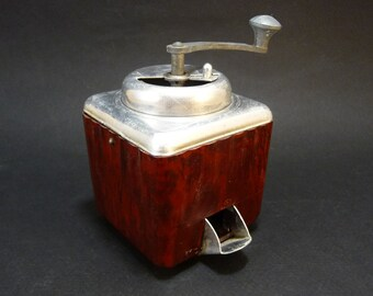 1950 Miniature Coffee Grinder, French Vintage, Bakelite and metal, Antique dinette, Kitchen decor, Doll house ware, Made in France toy