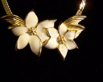 Vintage Tarifia, enameled  White Flower Necklace