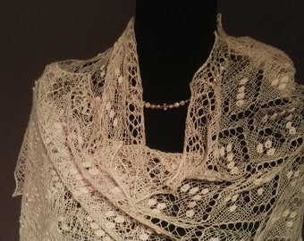 "MADE TO ORDER. Hand knitted  shawl "" Heart pattern"", traditional Estonian lace, 100% merinowool."