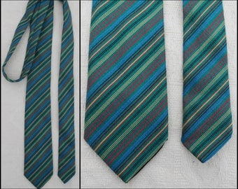 Vtg mans green stripe slim neck tie French green stripe tie