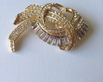 Vintage Princess Royal  Sculpturesque Gold Tone Clear Rhinestones Brooch