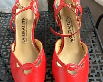 Vintage/retro naturalizer red pumps costume