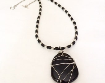 Black Agate Pendant Necklace Black Stone Pendant Necklace Beaded Gemstone Pendant Large Pendant Necklace Pendant Statement Necklace Gift