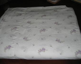Vintage Full size Flat Sheet/Purple flowers