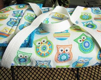 "Casserole Dish Tote (9"" x 13""), Owl Kitchen Decor, Owl Casserole Tote -- [light owls] -- ct1001"