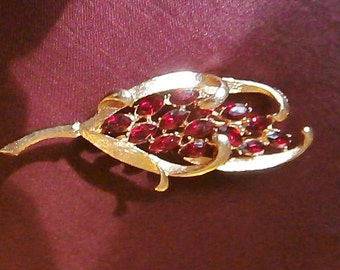 Free Ship* Vintage BSK Ruby Red Gold Tone Flower Brooch; Marquis Cut Rhinestone/Traditional Mid Century Costume Jewelry & Accessories