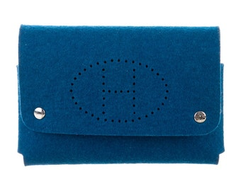 HERMÈS Evelyne Pouch with Removable Chain Attached