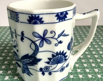Vienna Woods Seymour Mann, Blue Onion Mug, Blue and White Pottery, Vintage Mug Coffee Tea