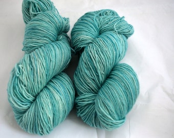 Hand Dyed Yarn, 80/20 Superwash Bluefaced Leicester and Nylon High Twist, Sockweight, sock yarn, Sea Breeze