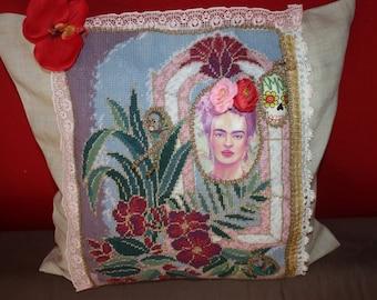 Viva la Frida - parade pillow