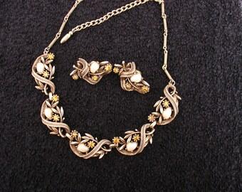 Coro Faux Baroque Pearl Necklace Earrings Set Bk Piece