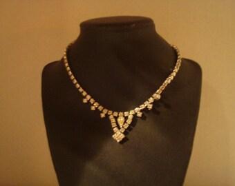 Gorgeous vintage rhinestone necklace