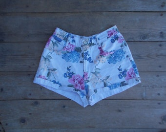 90s Floral Denim Highwaisted Shorts