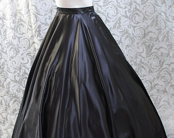 Long circle skirt, suitable for hoop skirts
