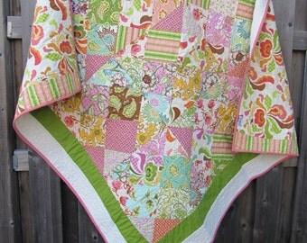 Throw quilt  - homemade quilt - patchwork quilt - lap quilt - floral quilt - boho decor - boho quilt - throw blanket