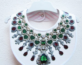Bib necklace of diamonds