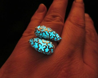 Silver ring glow in the dark