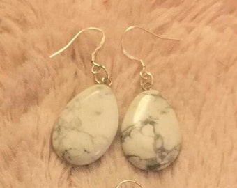 Howlite white grey silver dangly earrings