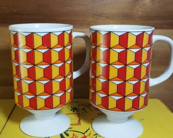 Set of 2 Vintage/Retro Red,Orange,Yellow Geometric Pattern Pedestal Mugs