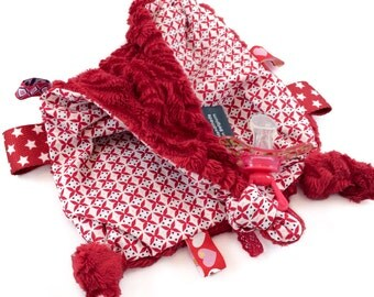 Soft Taggie Blanket: 'Red Flowers'
