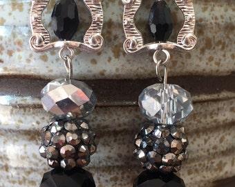 Black earrings, silver earrings , beaded earrings, black jewelry, silver jewelry, black beads, silver beads, silver dangle, black dangle