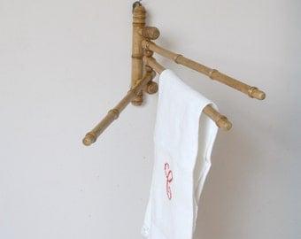 vintage wooden way bamboo towel