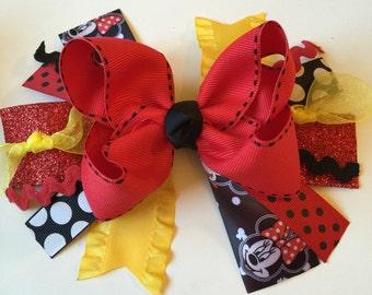 Minnie Mouse bow~Minnie Mouse headband~Disneyland bow~ baby headband~ toddler headband